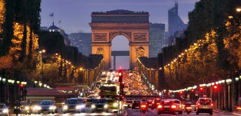 Paris-Champs-Elysees-at-night